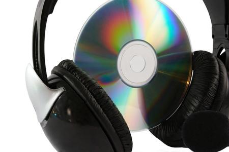 Kopfhörer und Sammlung isoliert auf weißem Hintergrund