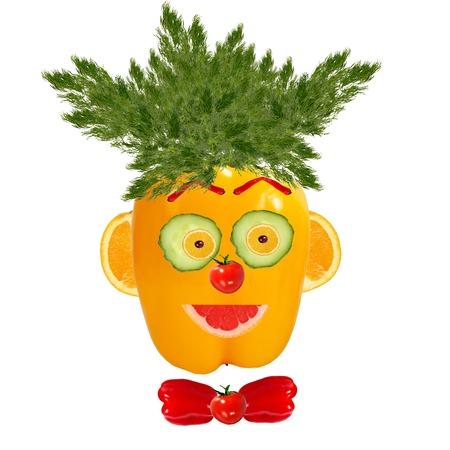 Lächelnder Mann Porträt von Gemüse und Früchten Standard-Bild