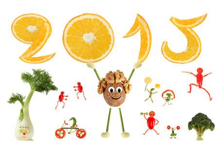 Gesunde Ernährung. Lustige kleine Mann von der Walnuss wirft 2015.