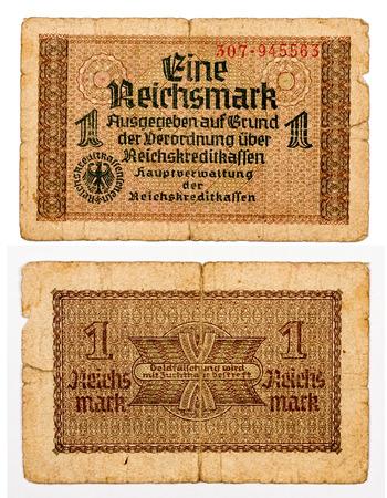 dinero falso: 1 factura reichsmark de Alemania aislados sobre fondo blanco