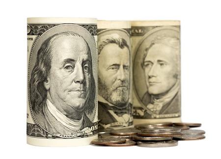 dinero falso: Estados Unidos los dólares aislados sobre fondo blanco