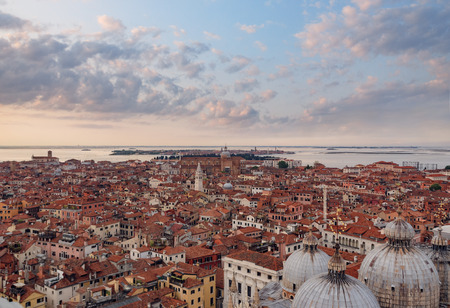 Panoramic aerial cityscape of, Venice, Italy in sunset 写真素材 - 122695707