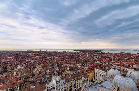 Panoramic aerial cityscape of, Venice, Italy in dramatic sunset 写真素材 - 122695715