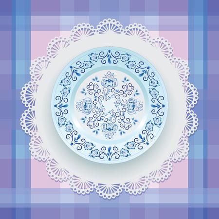 皿の上の青い花飾り。食器。ブルーの模様と白い磁器の国境をラウンドします。ロシア スタイル Gzhel。レース ナプキンと市松模様の背景。