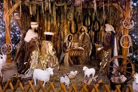 wise men: Presepe di Natale con tre saggi presentando regali al bambino Ges�, Maria & Joseph