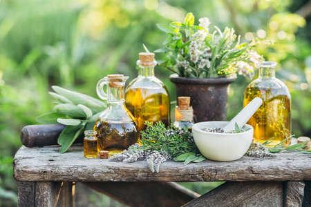 Świeże zioła i oleje