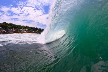 A view from the side of the barreling wave photo