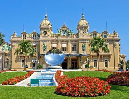 Vorderseite des Grand Casino in Monte Carlo, Monaco Standard-Bild - 6317990
