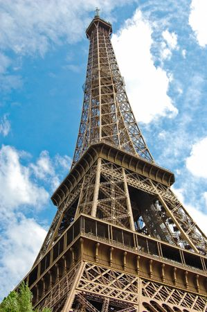 The world famous, Eiffel Tower in Paris, France. Stock Photo - 6583207