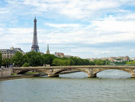 A view of the Eiffel tower from the river Seine. Stock Photo - 6583213