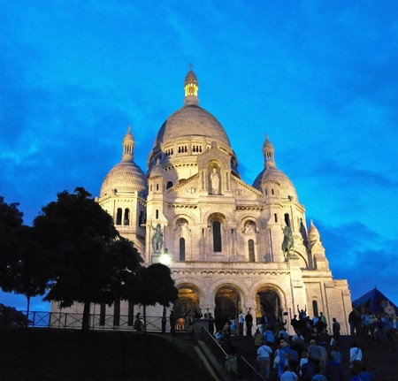 Night view of Sacre - Coeur Basilica on hills of Montmartre, Paris, France Stock Photo - 7026166
