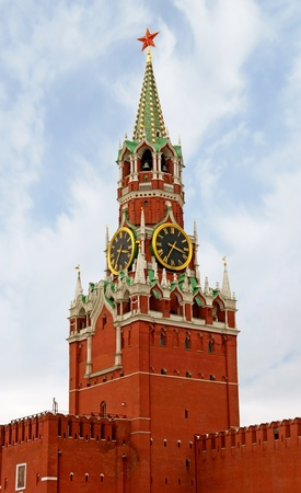 spasskaya: Spasskaya Tower of Moscow KremlinThe Spasskaya Tower is the main tower with a through-passage on the eastern wall of the Moscow Kremlin, which overlooks the Red Square. Stock Photo