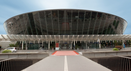 azur: Terminal building at Nice Cote d Azur Airport