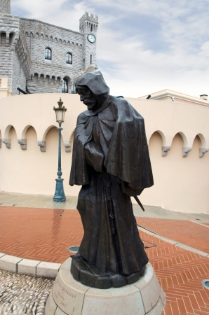 prince s palace of monaco: The statue of Francesco Grimaldi outside the Prince s Palace of Monaco Editorial