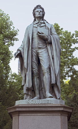dramatist: Statue of Johann Christoph Friedrich von Schiller in Frankfurt am Main, Germany, a German poet, philosopher, historian and playwright. Year 1864.