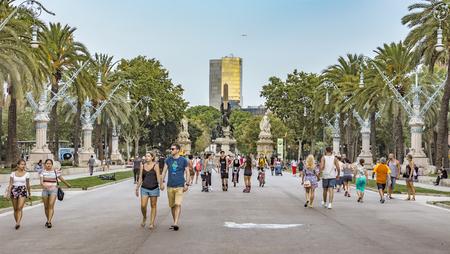 parc: BARCELONA, SPAIN - JULY 11, 2016: Passeig de Lluis Companys street of a promenade leading to the Parc de la Ciutadella in Barcelona. Editorial