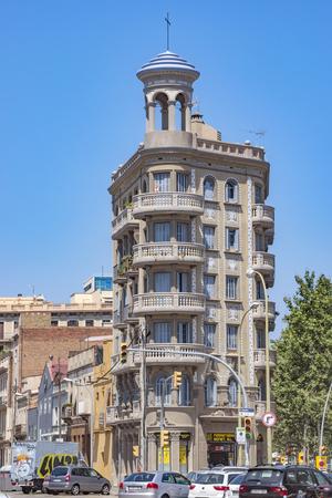 espanya: BARCELONA, SPAIN - JULY 5, 2016: Architecture along Rambla del Poblenou street in Barcelona, Spain Editorial