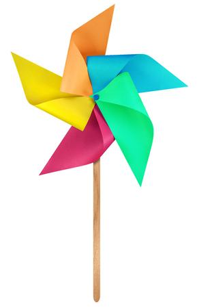 클리핑 패스와 함께 흰색에 격리하는 다채로운 종이 풍차 바람개비