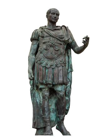 リミニ、イタリアの白で隔離ガイウスユリウスカエサルの像。クリッピング パスを含める