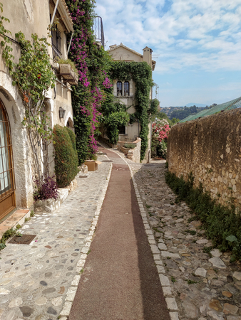 Saint Paul De Vence is a beautiful medieval fortified village perched on a narrow spur between two deep valleys.