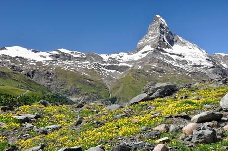 swiss alps: widoki na Matterhorn - Alpy Szwajcarskie