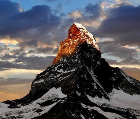 마테호른 (Matterhorn)의 일출 스톡 콘텐츠