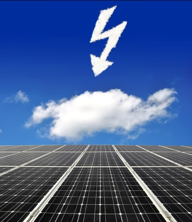 alternativ: Solar energy panels against sunny sky