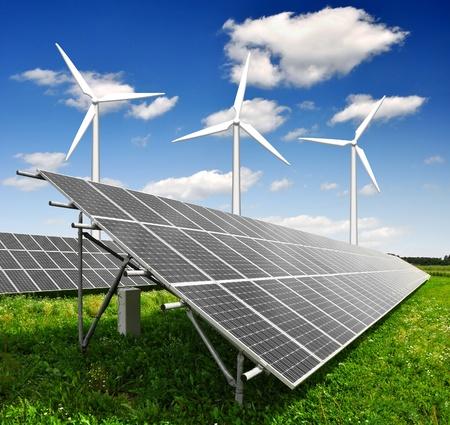 central el�ctrica: paneles de energ�a solar y turbinas de viento