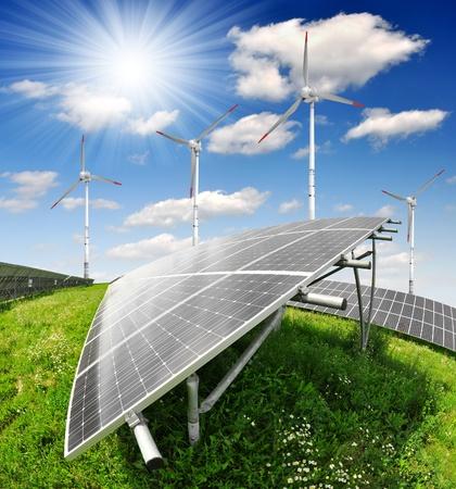 electricidad industrial: paneles de energía solar y turbinas de viento