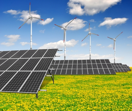 zonne-energie panelen en windturbines