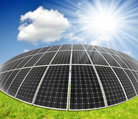 Alternativ: Solar energy panels against sunny sky