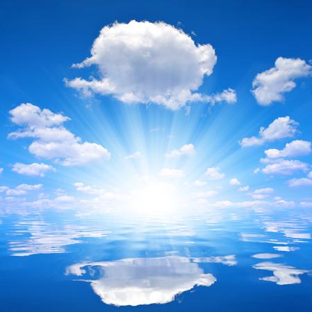 insolación: cielo soleado sobre nivel del mar
