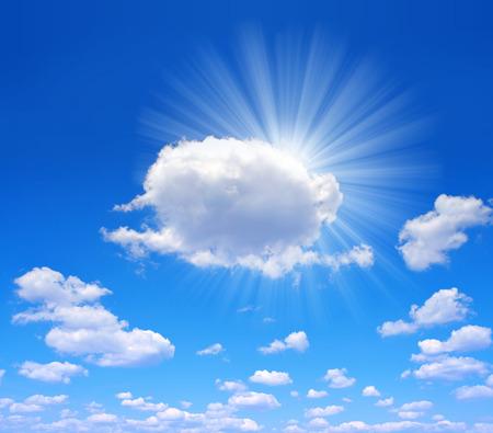 insolación: soleado cielo de fondo Foto de archivo