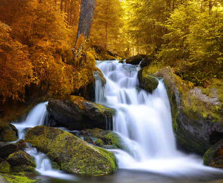 nant: Autumnal landscape with waterfall