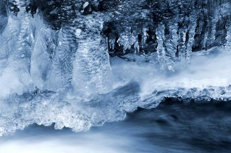 wintrily: Inverno Creek nel parco nazionale Sumava - Repubblica Ceca