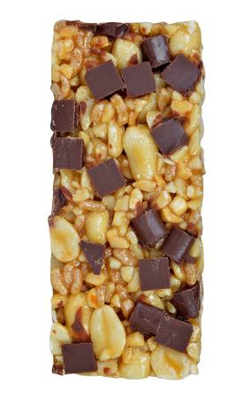 barra de cereal: El chocolate Muesli Bar aislado en el fondo blanco