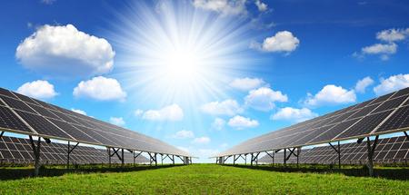 alternativ: Solar panels against sunny sky. Clean energy.