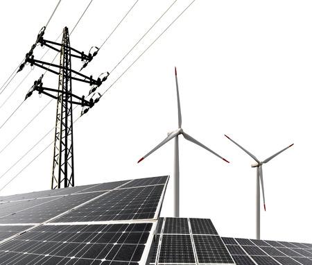 Les panneaux solaires avec des éoliennes et pylône électrique Banque d'images