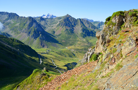 View of the mountain road. Col du Tourmalet in the Pyrenees mountains. France. Banco de Imagens