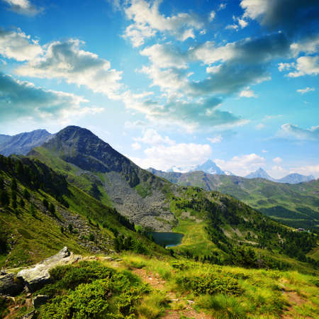 View on the mountain lake Lago di Chamole, Aosta valley, Italy. Summer landscape in the Alps. Stockfoto