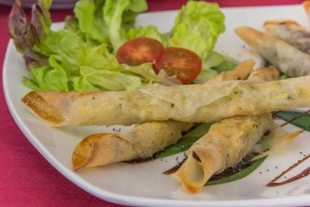 Valencia broodjes met gamba, lek en blauwe kaas Stockfoto
