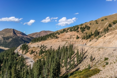 loveland pass: Winding road on the Loveland Pass in Colorado, USA