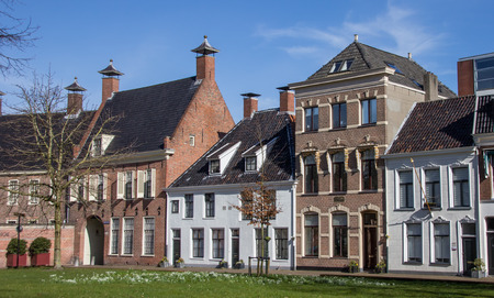 Old houses at the Martinihof in Groningen, Netherlands Imagens - 26767222
