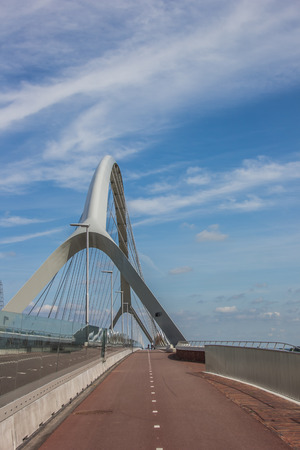 bicycle lane: Bicycle lane on the bridge across the river Waal in Nijmegen, Holland