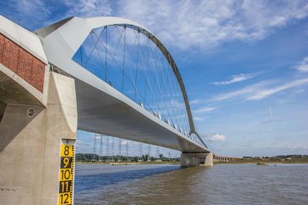 Steel bridge across the river Waal in Nijmegen, Holland Banco de Imagens