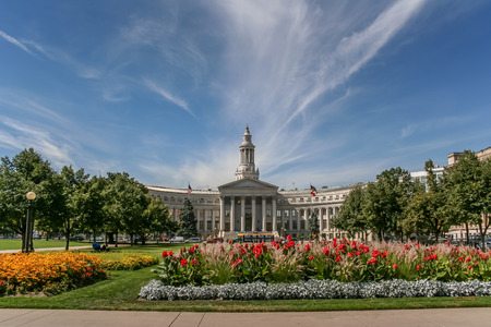 colorado flag: Denver city and county building in Colorado, USA