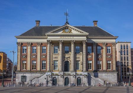 groningen: Stadhuis in het centrum van Groningen, Holland Redactioneel