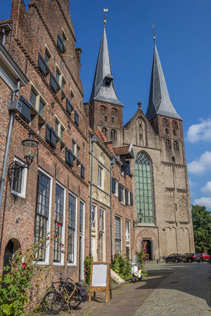 nicolaas: St. Nicolaas church and old houses in Deventer, Holland