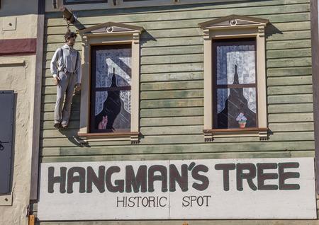 ahorcado: Hangmans árbol de la mancha histórica en Placerville, California