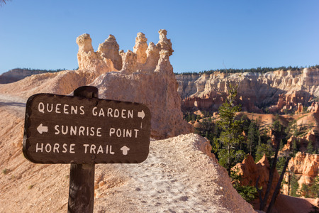 wooden trail sign: Wooden sign on Queens Garden trail in Bryce Canyon National Park, Utah, USA